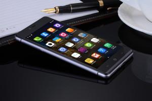 Kingzone K2 – 5 Zoll FullHD Smartphone im edlen Gewand mit Fingerprint ID, 3GB RAM und 13MP Sony Kamera