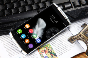 OUKITEL K10000 – 5.5 Zoll HD Smartphone mit riesigem Akku oder 10.000mAh Powerbank mit eingebautem Smartphone?